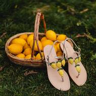 🍋 Summer vibes 🍋  • • • • #lemons#crystal#italy#amalficoast#positano#italy#handmade#custom#italiandesign#designer#fashion#cute#styleinspiration#boutique#madeinitaly🇮🇹