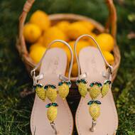 🍋 🧺  • • • • • • #lemons#crystals#handmade#luxury#fashion#cute#styleinspiration#handmade#cuoioditoscana#madewithlove#positano#italy#handmade#designer#italiandesign#nanapositano#amalficoast#madeinitaly🇮🇹