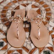 Styles come and go. Good design is a language, not a style. 💎 • • • • • • • #handmade#sandlas#jewelerydesign#jewelry#fattoamano#design#italiandesign#positano#italia#madewithlove#creativity#passion#madeinitaly🇮🇹