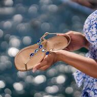 Aggiungi un tocco di blu al tuo outfit indossando Elsa style 😍 💙   Discover more on WWW.NANAPOSITANO.IT   • Luxury Handmade sandals 💎  • Customisable sandals  • personalizzabili su misura  • spedizione H48 •worldwide shipping 🌍   #luxury#italy#madeinitaly#handmade#custom#blu#sandals#positano#artisian#boutique#nanapositano#fashion#designer