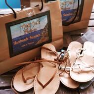 fatti a mano 💖  #nanapositano #fashion #style #stylish #sandals #purolino #modapositano #photooftheday #positanofashion #madeinitaly #beauty #beautiful #instagood #pretty #jewelsandals #handemade #swarovski #sandalicapresi #sandaliswarovski #caprisandals #design #shopping #glam #followback #likeforlike #positano #boutiquepositano #sandaligioiello #sandali