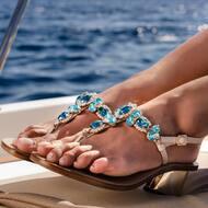A vibe called style.  This is the TRINITY style. 💙  #nanapositano   #fashion#style#stylish#design#handmade#innovation#moda#crystals#custom#heels#italy#madeinitaly#positano#capri#nanapositano
