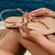 We present our new version of the Starfish sandals 🌟   Discover more on  WWW.NANAPOSITANO.IT  #starfish#sandali#sea#summer#vibes#style#comfort#handmade#sandali#sandals#artisian#custom#italia#madeinitaly#positano